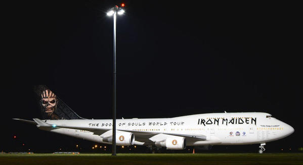 ed-force-one-iron-maiden-boeing-tf-aak-2016-book-of-souls-tour-boeing-jumbo-747-400-3