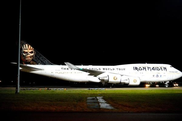 ed-force-one-iron-maiden-boeing-tf-aak-2016-book-of-souls-tour-boeing-jumbo-747-400-5