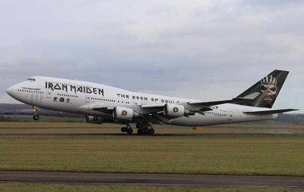 liam-daniels-ed-force-one-iron-maiden-747-400--the-book-of-souls-tour-boing