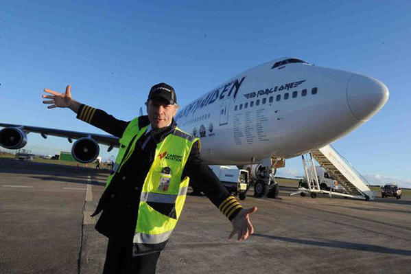 ed-force-one-2016-the-book-of-souls-tour-iron-maiden-boeing-747-400-5