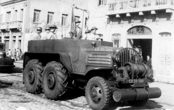 Minneapolis-Moline GTX 6 x 6 Artillery Tractor, nine of which saw service with the Brazilian Land Forces.