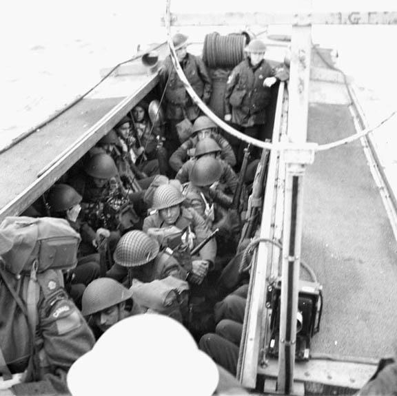 nfantrymen-of-le-rc3a9giment-de-la-chaudic3a8re-an-a-landing-craft-assault-lca-alongside-h-m-c-s-prince-david-off-the-coast-of-england-9-may-19441