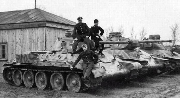 T-34 with german hatch