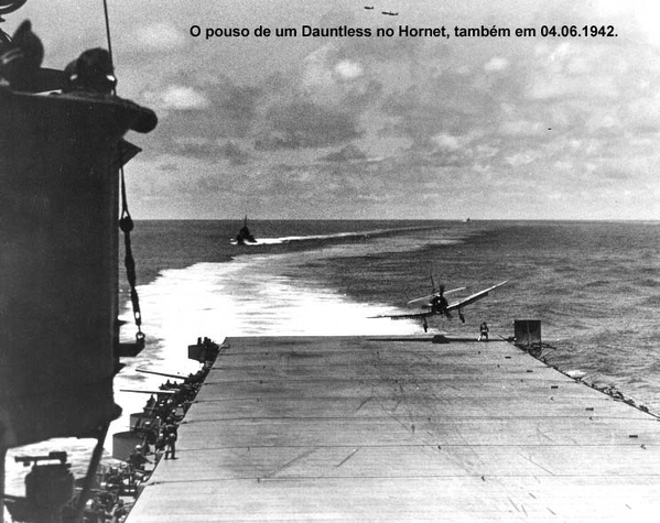 e 1942_06_04_h_sbd_dauntless_landing cópia